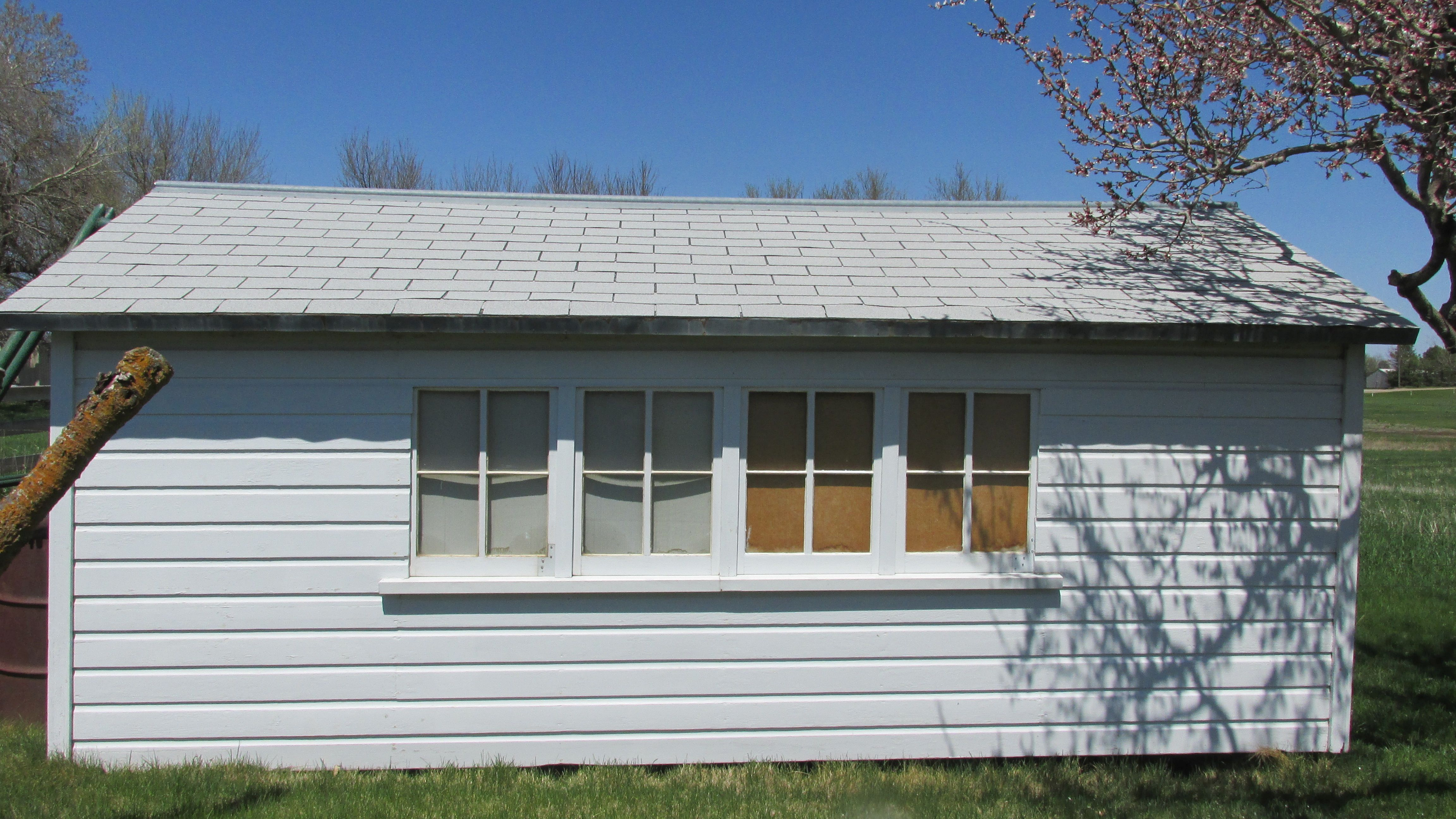 Brooder house to be moved