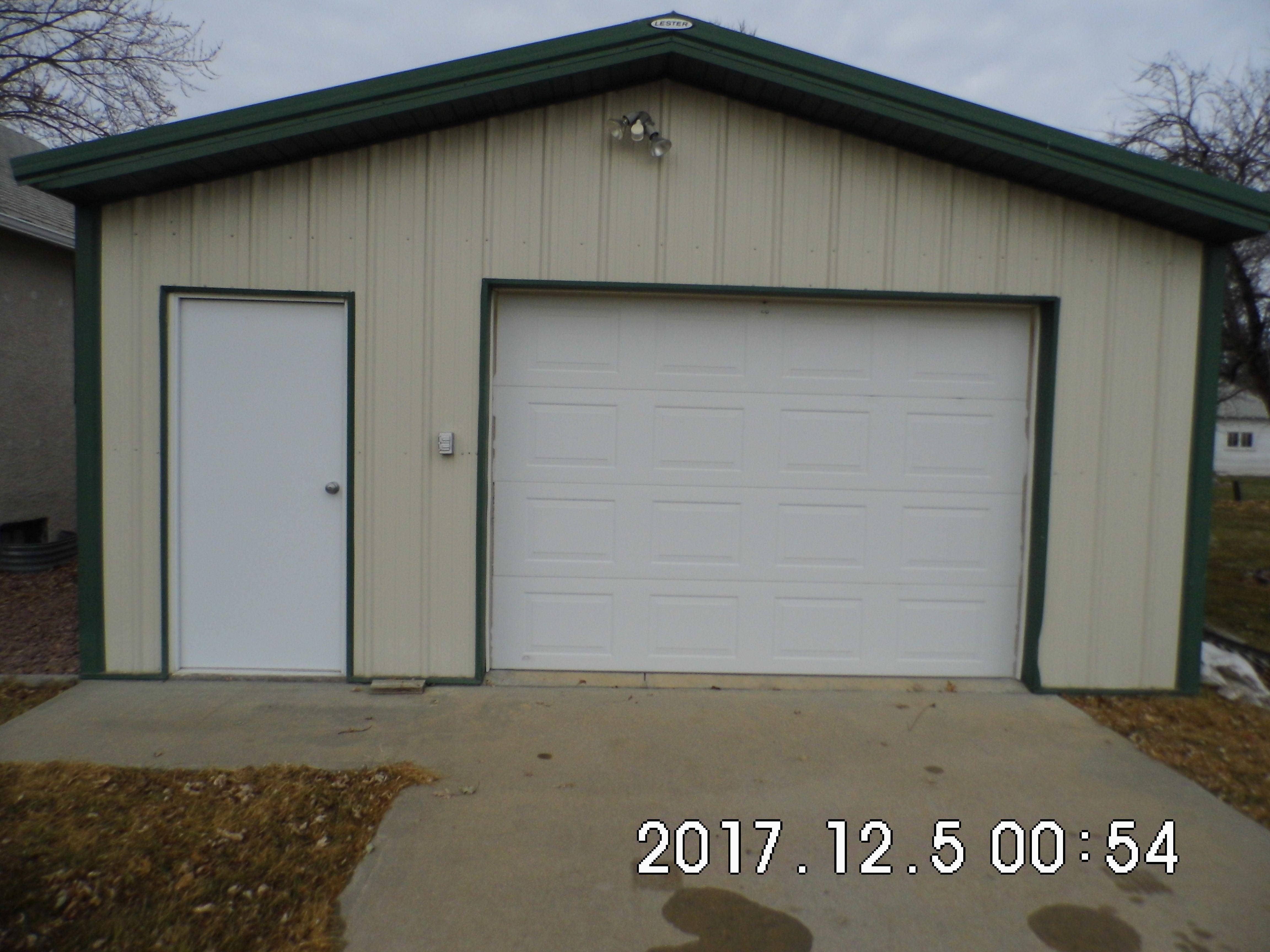 01.6 Garage front