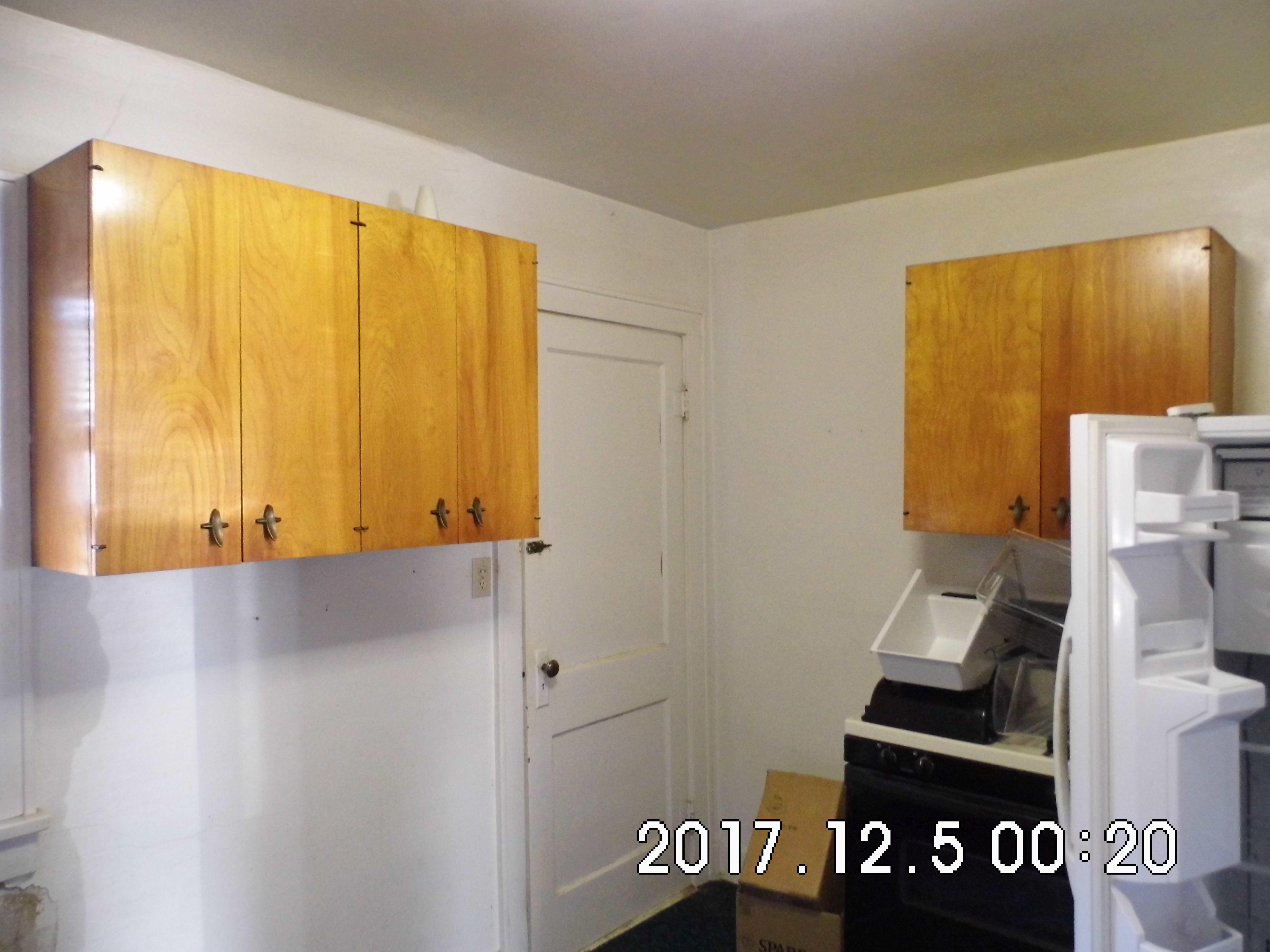 02.7 Kitchen Cabinets